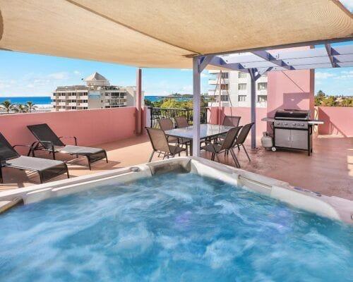 Nautilus-Mooloolaba-Resort-Unit-Apartments (13)
