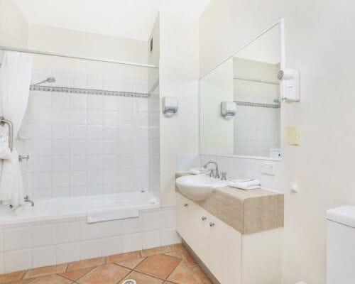 Nautilus-Mooloolaba-Resort-Unit-Apartments (23)