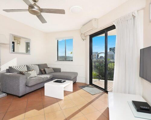 Nautilus-Mooloolaba-Resort-Unit-Apartments (27)