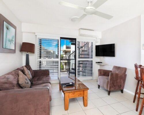 Nautilus-Mooloolaba-Resort-Unit-Apartments (5)